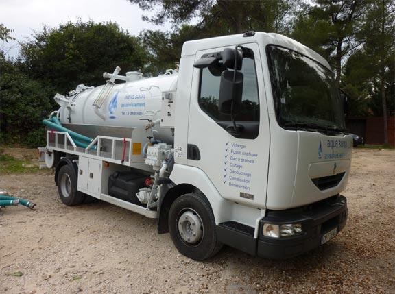 Vidange, services d'assainissement pour canalisations